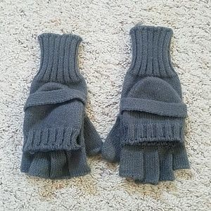 Accessories - Gray gloves